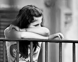 Chica triste y deprimida
